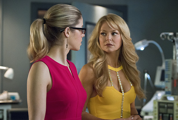 """Arrow -- """"Public Enemy"""" -- Image AR318A_0297b -- Pictured (L-R): Emily Bett Rickards as Felicity Smoak andCharlotte Ross as Donna Smoak -- Photo: Diyah Pera/The CW -- © 2015 The CW Network, LLC. All Rights Reserved."""